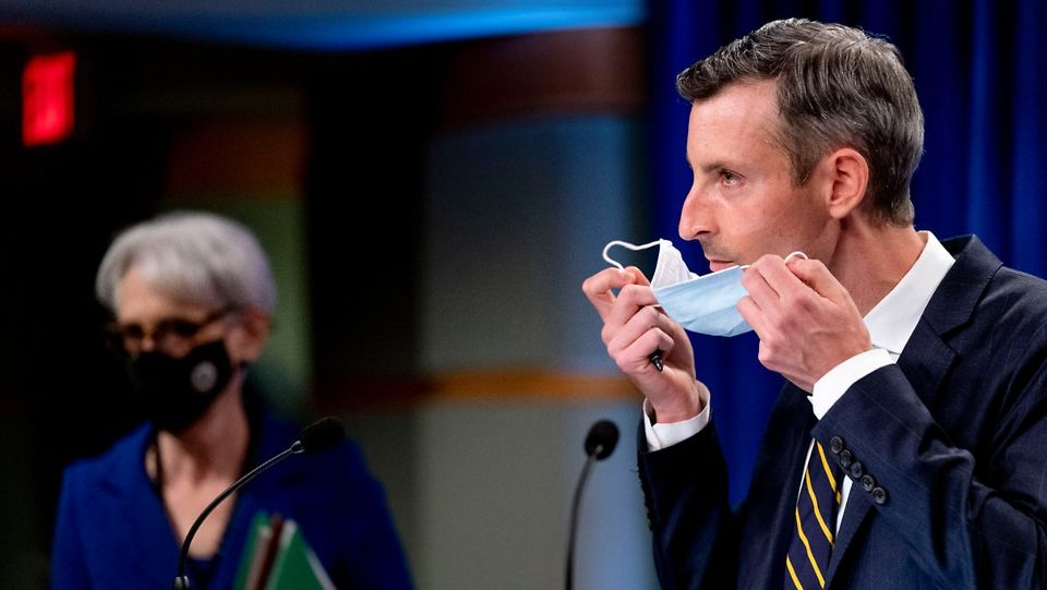 وضعیت وخیم سخنگوی وزارت خارجه آمریکا پس از ابتلا به کرونا