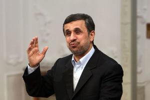 احمدینژاد از کشور خارج شد
