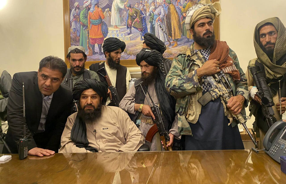 تصاویر جنجالی تاببازی جنگجویان طالبان!