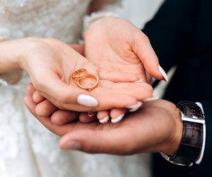 حرکت شوکه کننده داماد در عروسی !+فیلم